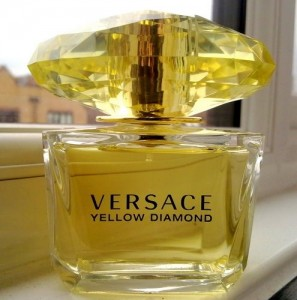 Yellow-Diamond-Versace افضل العطور